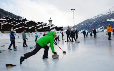 Curling au cœur du village